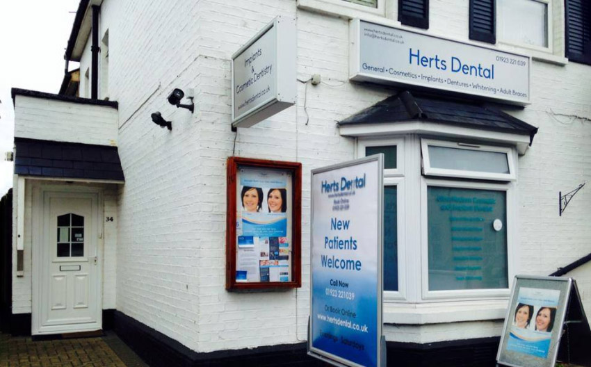 Herts Dental clinic entrance